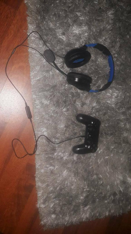 PS4 mit Controller und Headset! 120€!