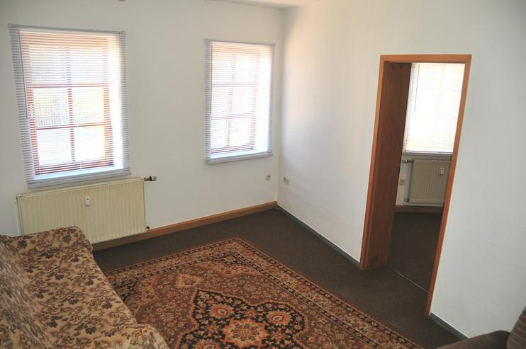 Zwei-Zimmer-Singlewohnung mit sep. Küche und Stellplatz