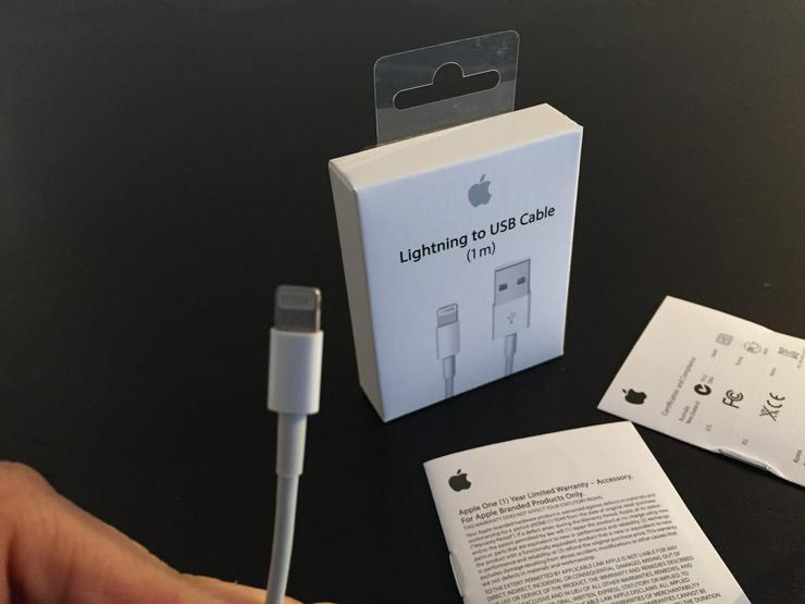 neue unbenutze Apple iPhone iPad Ladekabel  - Kabel & Stecker - Bild 1