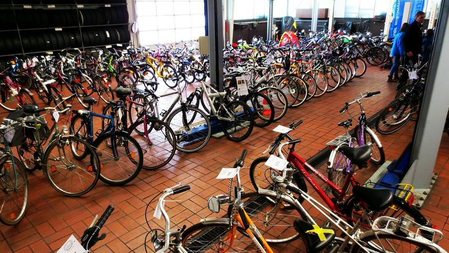Bild 3: Wolfhager Fahrradbörse am 9. März im Autohaus Güde