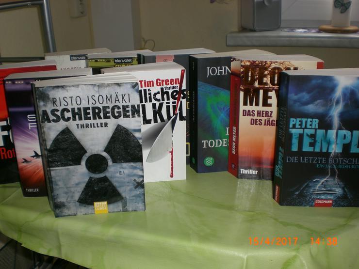 Bücherpaket 4 x Taschenbücher im super Zustand