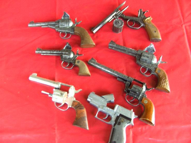 Bild 3: 7x Spielzeugpistolen Karneval KINDERSPIELZEUG Ideal Modelle Sammler,Revolver