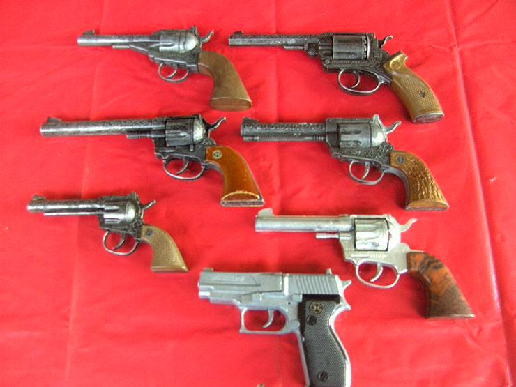 Bild 5: 7x Spielzeugpistolen Karneval KINDERSPIELZEUG Ideal Modelle Sammler,Revolver