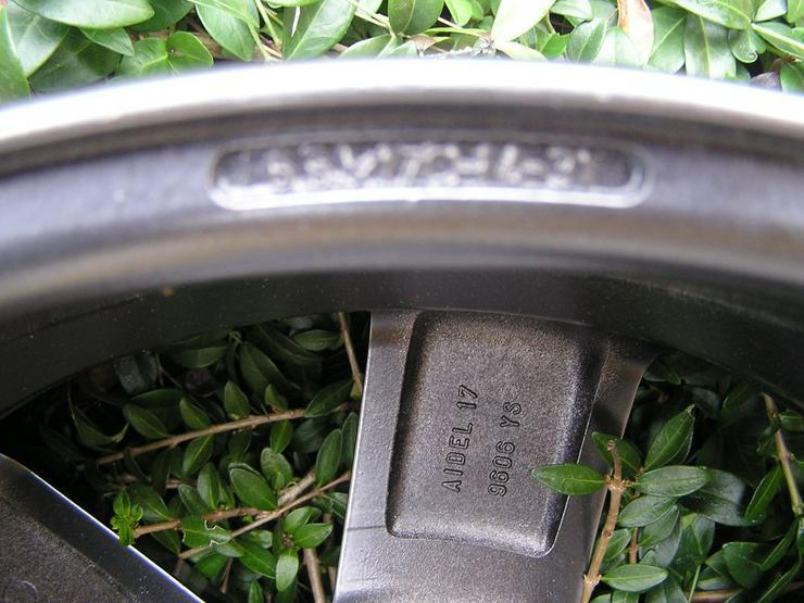 Bild 4: Verchromte Alufelge Peugeot 307 AIDEL 17 Zoll