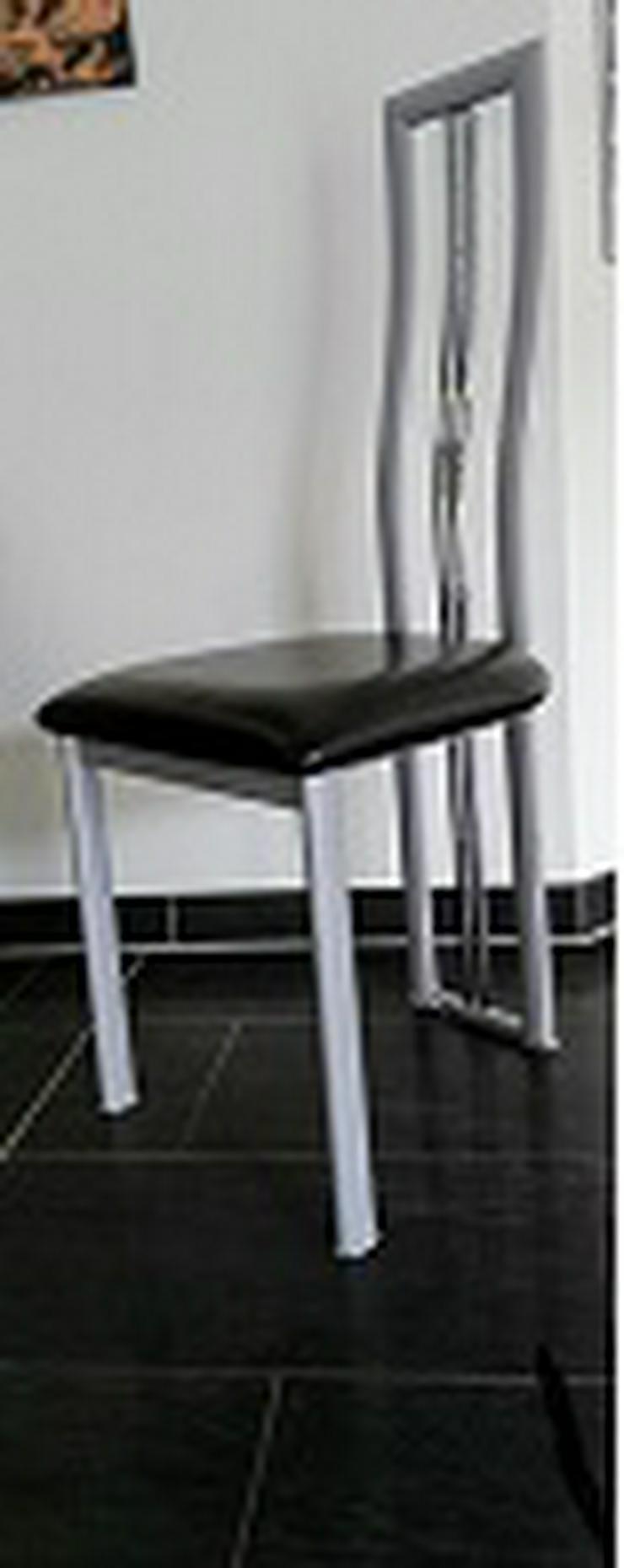 6 Stck. Esszimmer Stühle aus Metall / Silber Gestell