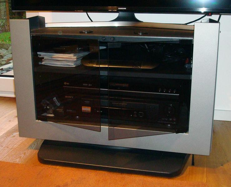 Sony-TV-Schrank