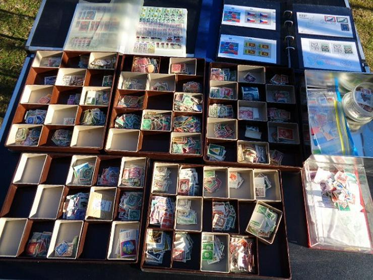 Briefmarkenalben u.a Aus Umfangreicher Sammlung