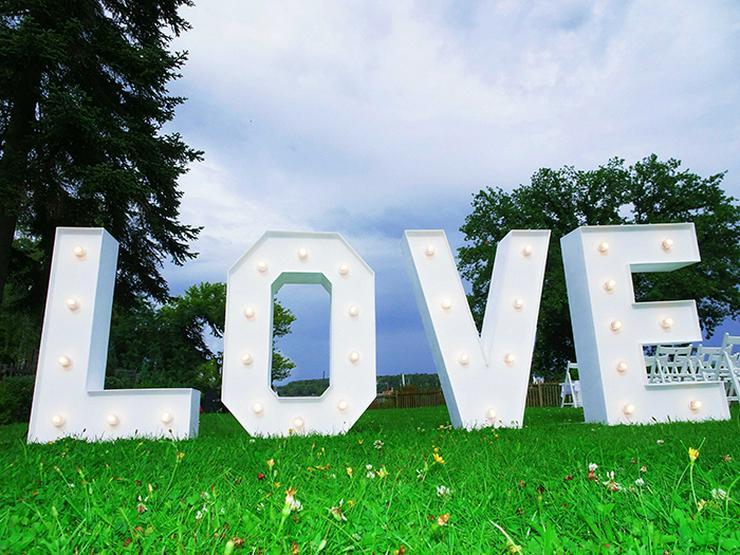 Bild 6: Leuchtende Buchstaben LOVE mieten, XXL Buchstaben, Hochzeitsdeko