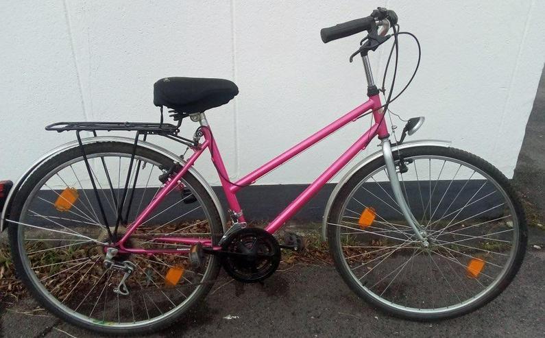 Damenrad-Trekkingrad 28 zoll ,Rahmenhöhe 52cm. 15 Gang-Kettenschaltung.