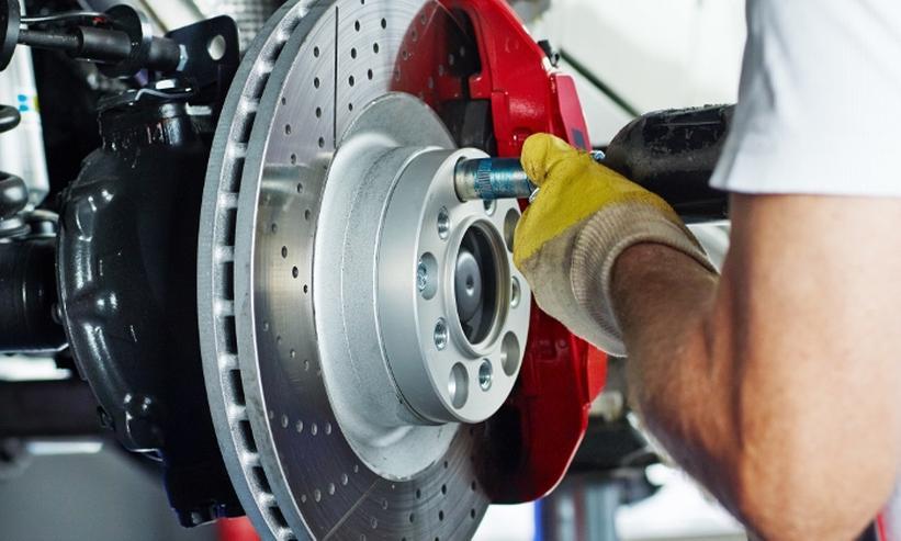 Bremsbeläge & Bremsscheiben zum Komplettpreis für alle Fahrzeuge der Mittelklasse