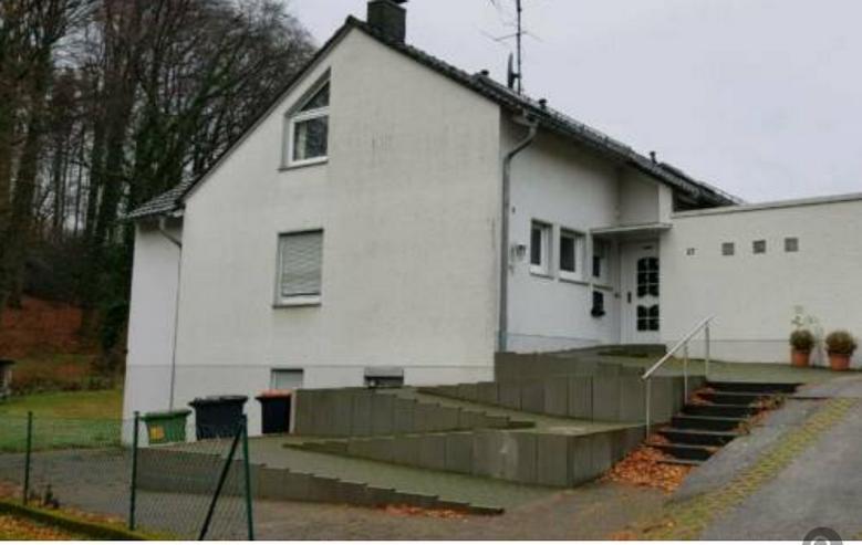 Freistehendes Ein/Zweifamilienhaus mir ausgebautem Dachgeschoß