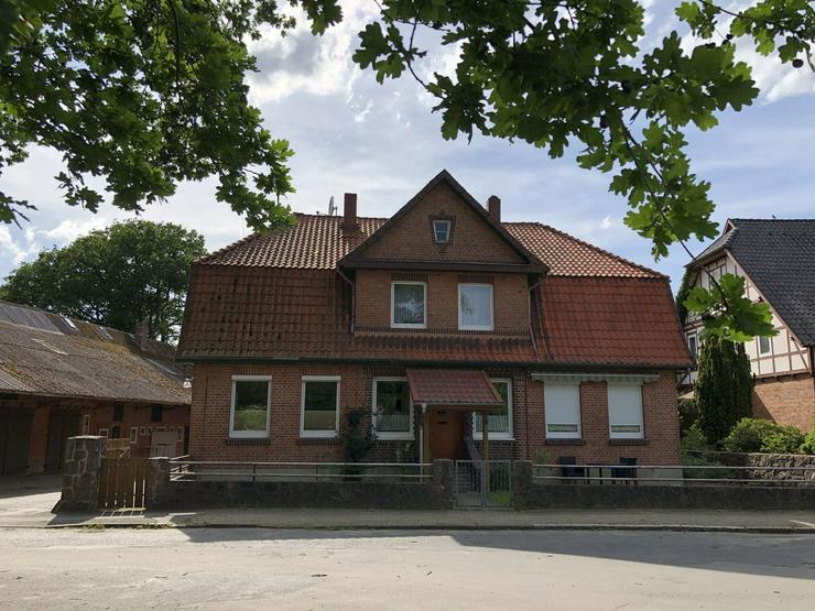 Modernisierte und gepflegte Hofanlage in der Nähe von Ebstorf (Lüneburger Heide) - Bauernhäuser - Güter & Höfe - Bild 1