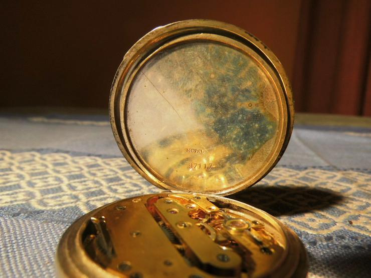 Bild 3: Schöne, antike Taschenuhr aus Silber von Halbmond und Stern um 1900 / Bastler