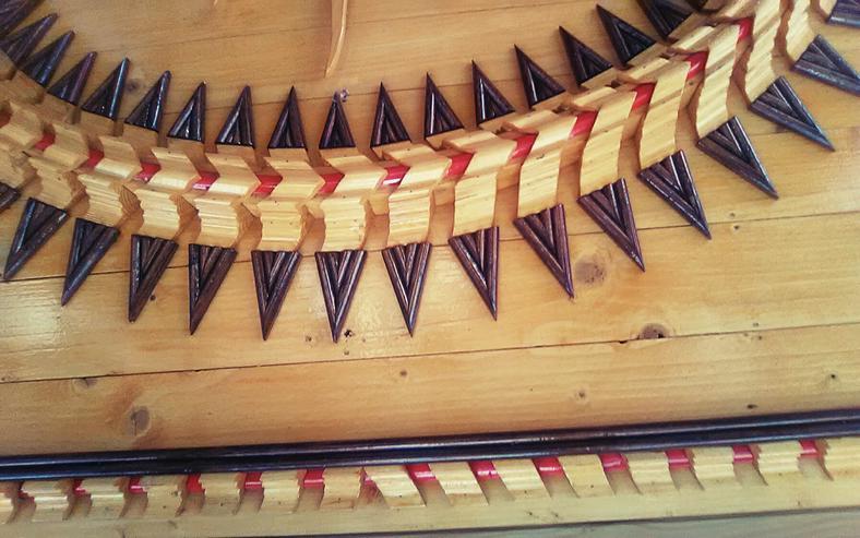 Bild 2: Holzverzierung der sonne