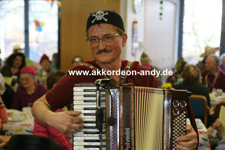 Akkordeonspieler: Münster, Hamm, Gronau, Osnabrück
