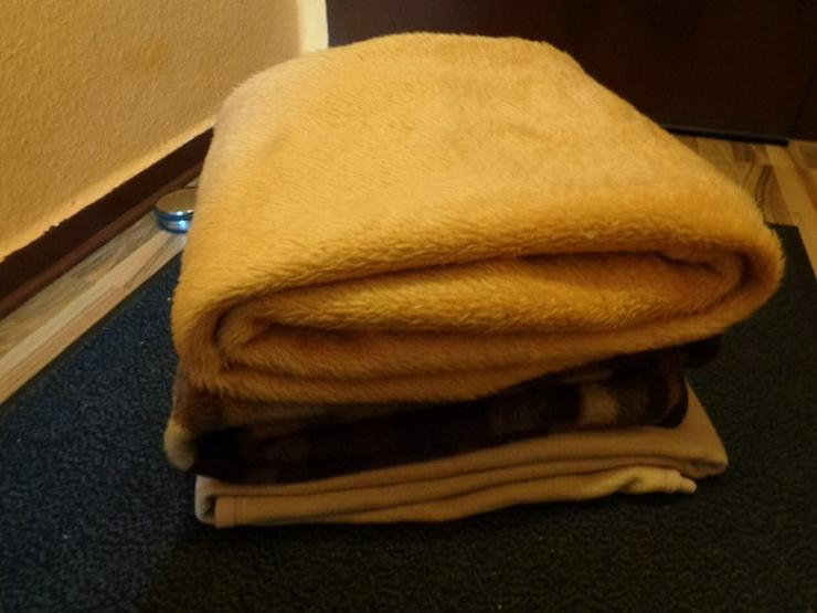 Sehr gute Kuschelige Wolldecken 3 Stk. Sehr gut Erhalten
