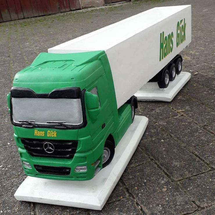 Bild 5: Modell LKW aus Beton / Stein Actros DAF Scania 1:16 - handbemalt