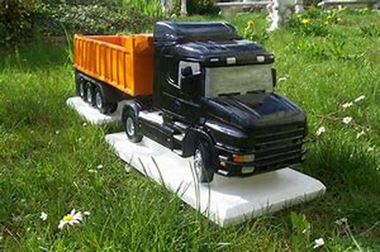 Bild 3: Modell LKW aus Beton / Stein Actros DAF Scania 1:16 - handbemalt