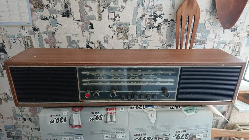 Wohnungsauflösung Altes DDR Radio Prominent De Luxe 210 abzugeben!