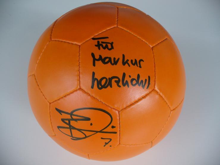 Fussball mit Autogramm von Benjamin Auer (Mainz 05)