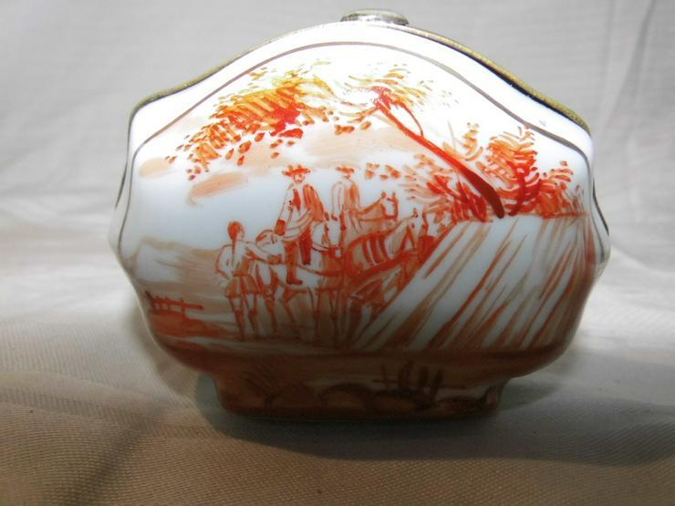 Antike Puderdose um 1800 / Schmuckdose aus Porzellan / Handarbeit