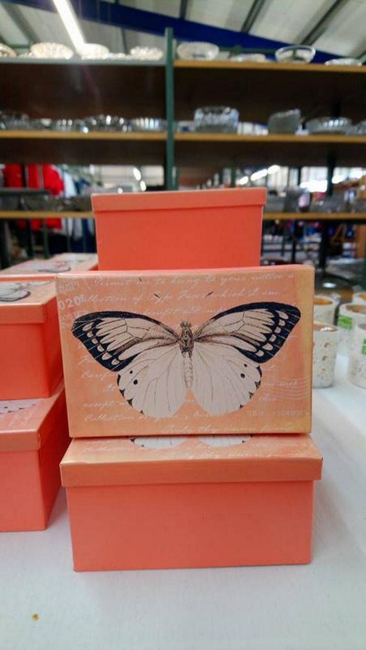 Dekobox mit Schmetterlingsmotiv