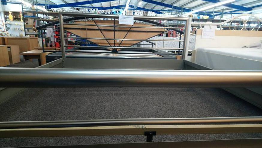 Doppeltbett Bett Bettgestell Metall silber - sehr gut erhalten