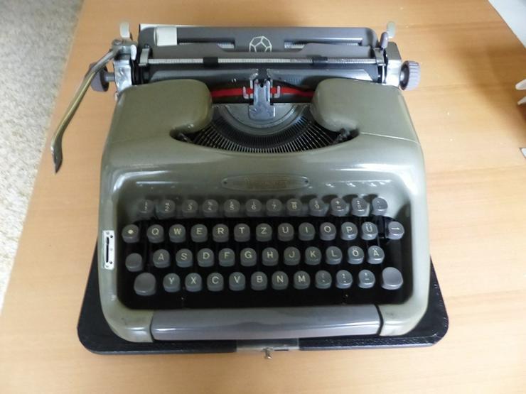 Koffer-Schreibmaschine VOSS