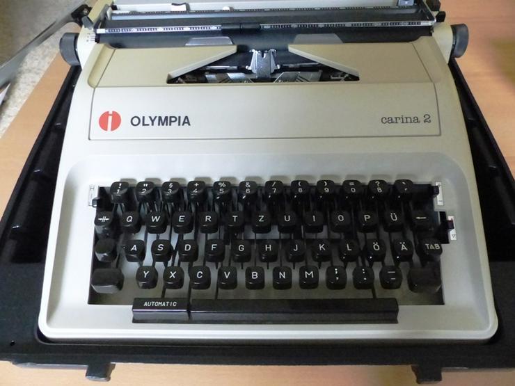 """Bild 2: Koffer-Schreibmaschine OLYMPIA """"Carina 2"""""""