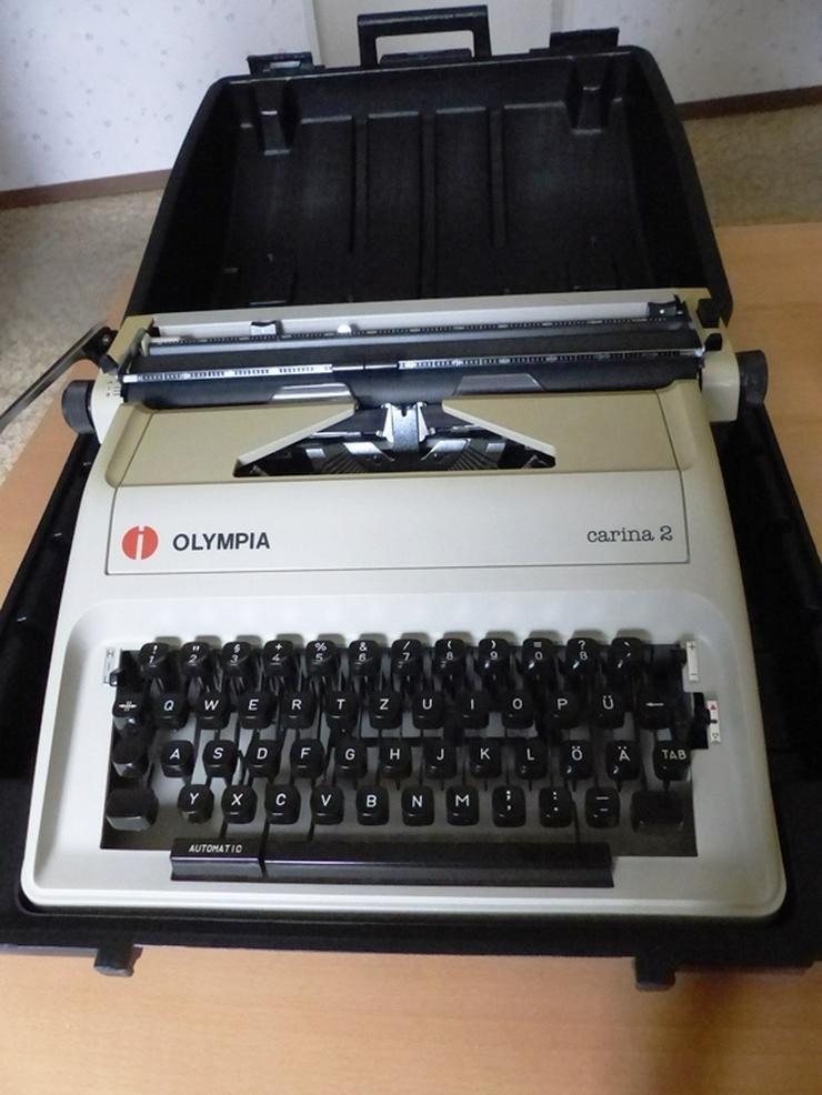"Koffer-Schreibmaschine OLYMPIA ""Carina 2"""