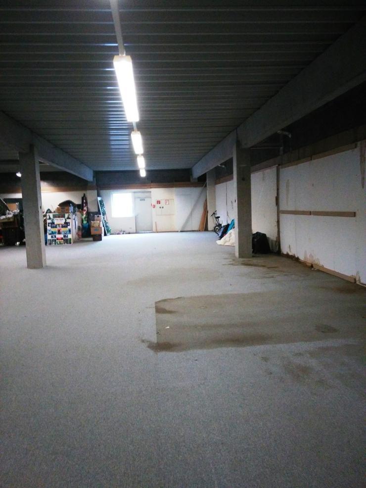 Lagerflächenanteil in großer Halle in Ebersbach /Fils zu vermieten.