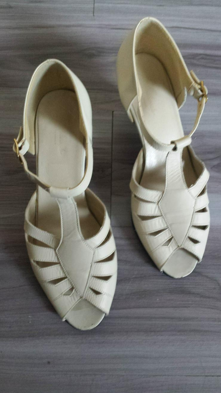 Sandalette in hellem Creme Größe 7 G - Größen > 40 - Bild 1