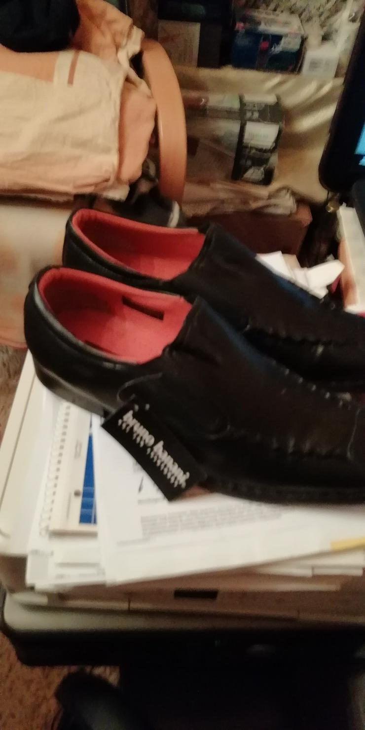 Bild 4: verkaufe meine Neuen schwarzen italienischen Slipper, Größe : 42 Preis : 40,00€