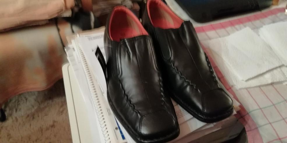 Bild 2: verkaufe meine Neuen schwarzen italienischen Slipper, Größe : 42 Preis : 40,00€
