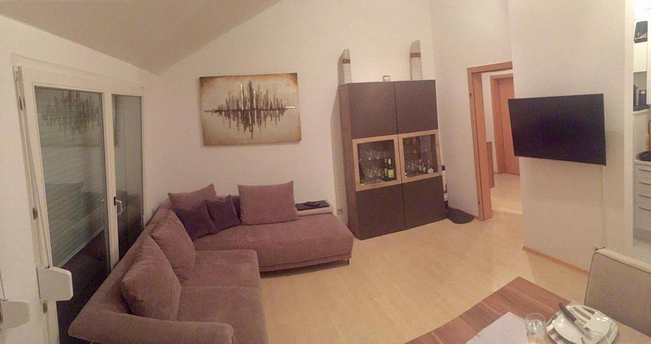 Bild 3: Helle 2 Zi.- DG-Wohnung mit großer Loggia - Provisionsfrei in 71717 Beilstein