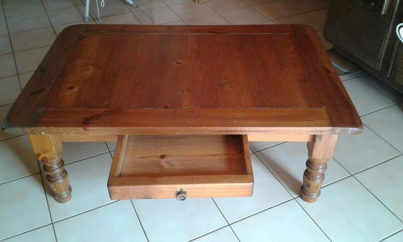 1 Tisch aus Echtholz