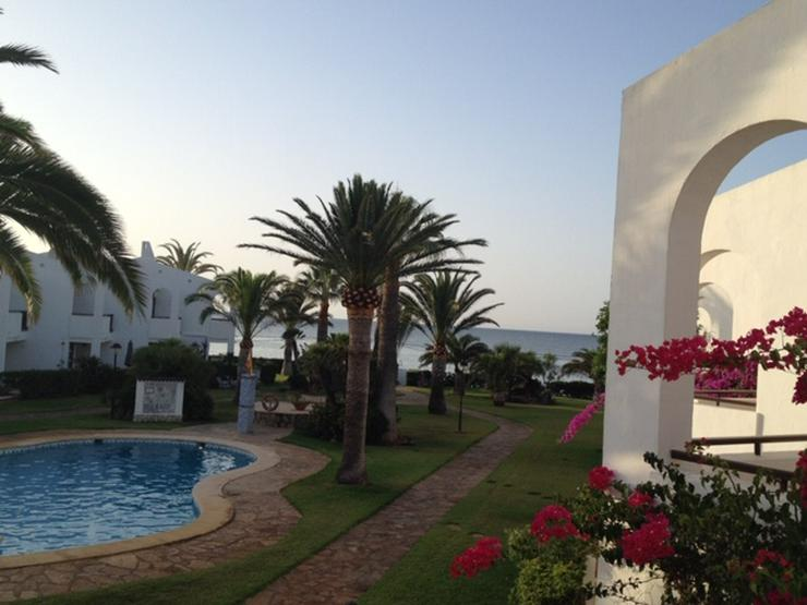 Bild 5:  Spanien, Costa Blanca,  Denia, 1. Strandlinie