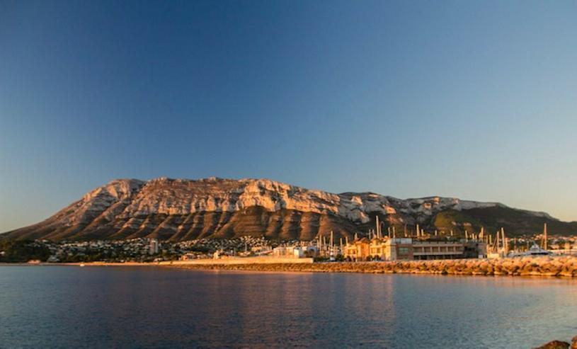 Bild 6:  Spanien, Costa Blanca,  Denia, 1. Strandlinie