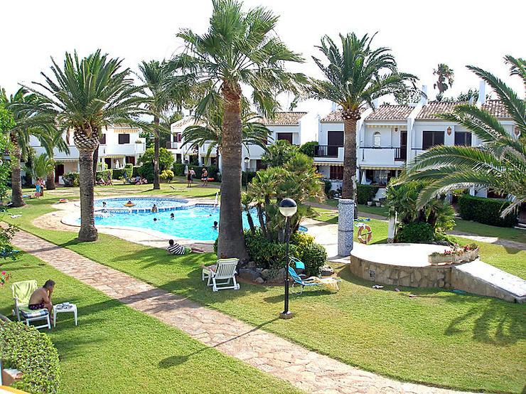 Bild 2:  Spanien, Costa Blanca,  Denia, 1. Strandlinie