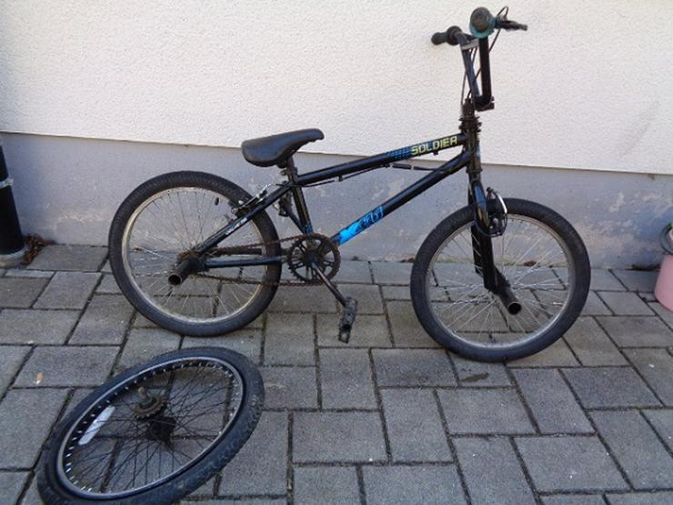 BMX super Fahrrad und ein Ersatz Hinterreifen Sofort Fahrbereit