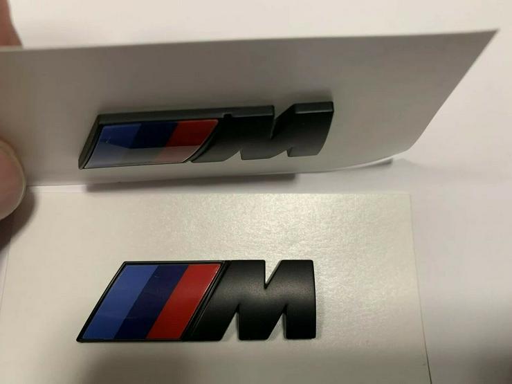 Bild 3: 2 Stück BMW M Emblem Logo 45x15mm Kotflügel Selbstkleben 3D klebe Schwarz Matt