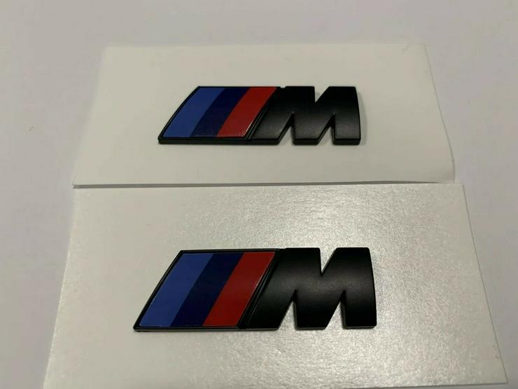 Bild 4: 2 Stück BMW M Emblem Logo 45x15mm Kotflügel Selbstkleben 3D klebe Schwarz Matt