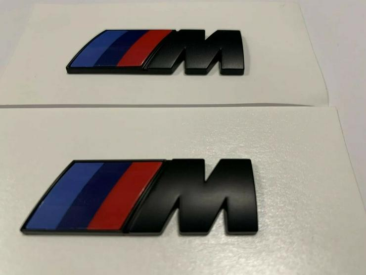 Bild 5: 2 Stück BMW M Emblem Logo 45x15mm Kotflügel Selbstkleben 3D klebe Schwarz Matt