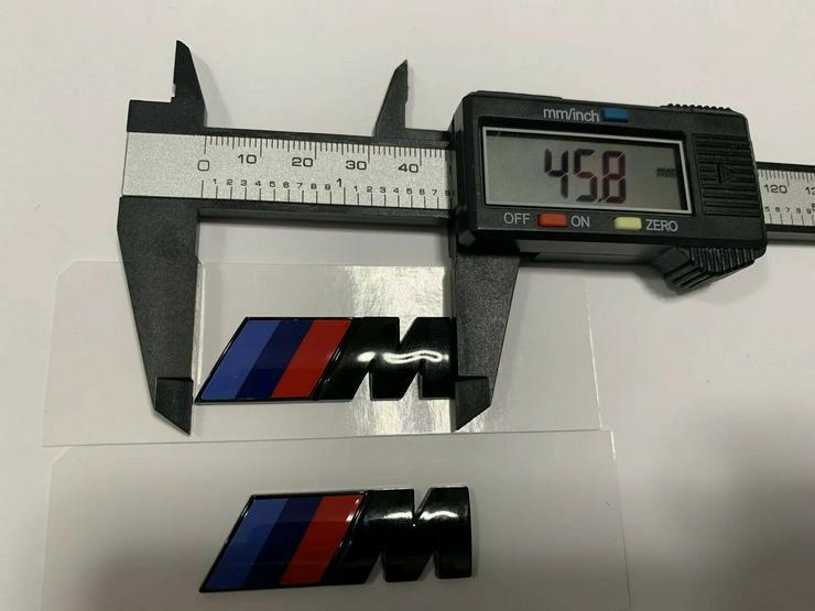 2 Stück BMW M Emblem Logo 45x15mm Kotflügel Selbstkleben 3D klebe Schwarz Glanz