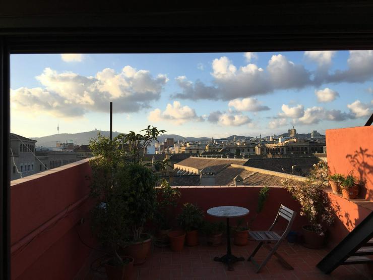 Attikawohnung mit traumhaften privaten Terrassen im Zentrum von Barcelona