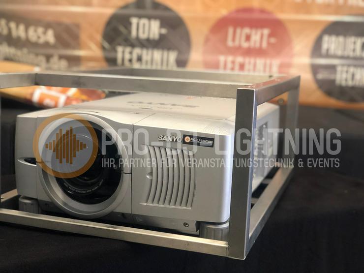 SANYO PLC-XF35 LCD-Projektor | 6.500 ANSI-Lumen zur Miete