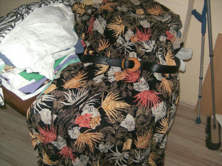 Bild 5: Kleidung für Flohmarkt oder Secound Hand Gr.48-52