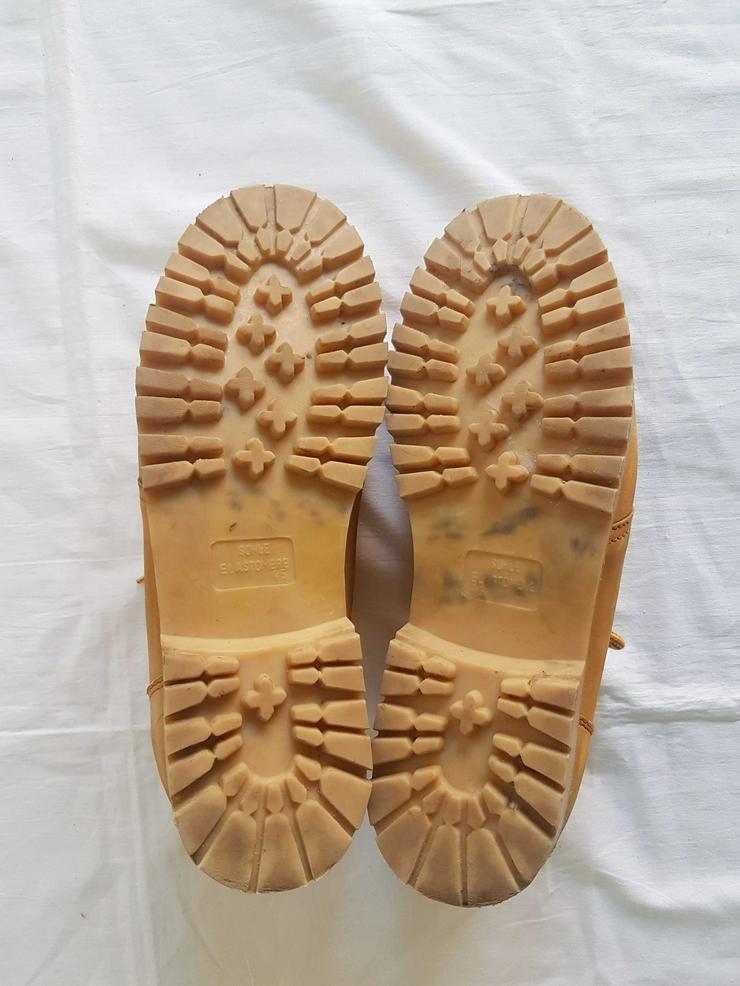 Bild 3: drei unterschiedliche Schuh Marken