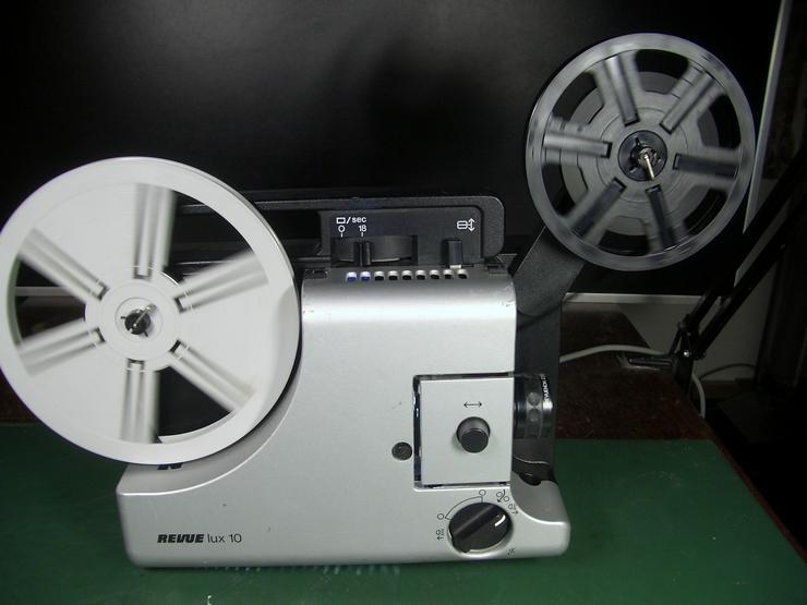 Bild 1: Revuelux 10 Super 8 Filmprojektor mit Standbild