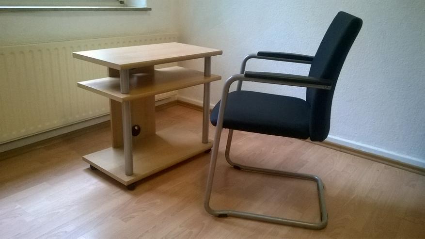Computertisch und Sessel